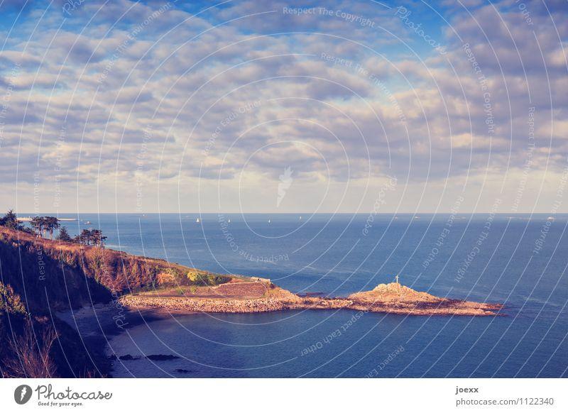 Halbinsel Himmel Ferien & Urlaub & Reisen blau schön Wasser Landschaft Wolken Wärme Küste grau braun Horizont Idylle groß Schönes Wetter Hügel