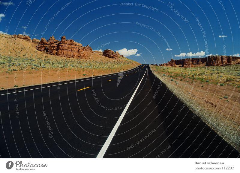 immer geradaus Horizont Autofahren Einsamkeit leer Hintergrundbild Ferien & Urlaub & Reisen Fernweh rot schwarz Unbewohnt geradeaus Amerika trocken Kalifornien
