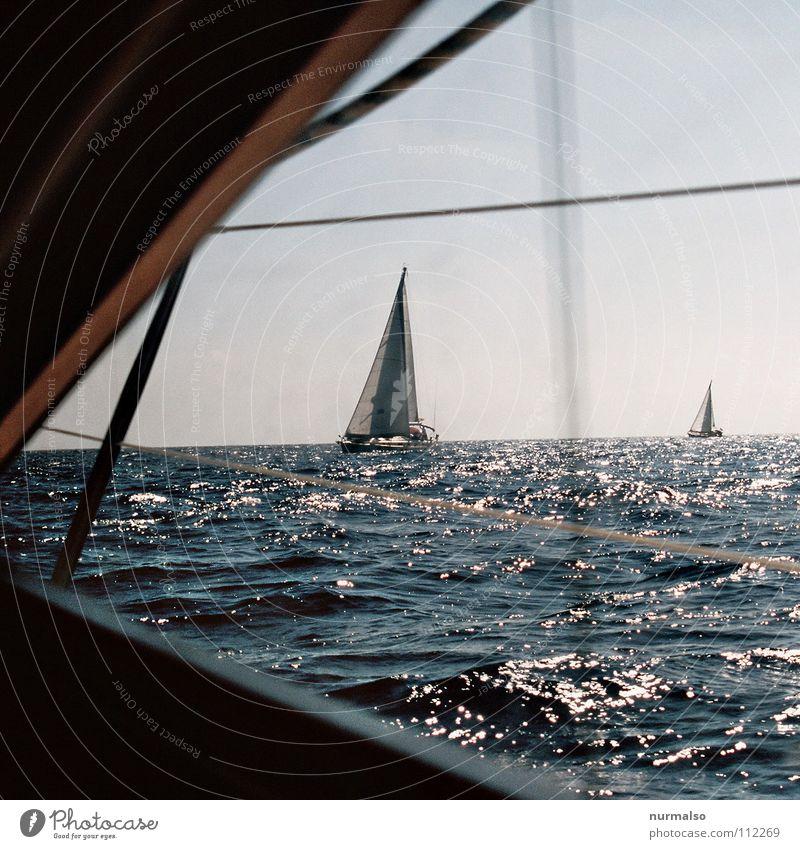 Abschied Natur Sommer Meer Einsamkeit Freude Wärme Wasserfahrzeug Horizont Wellen Erfolg Insel Perspektive Aussicht Im Wasser treiben Ziel Physik