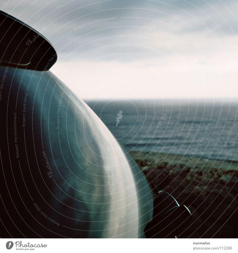 Entspiegelt Natur Sommer Meer Wolken Ferne Wärme Stimmung oben Horizont dreckig PKW Wellen Glas Europa einfach rund