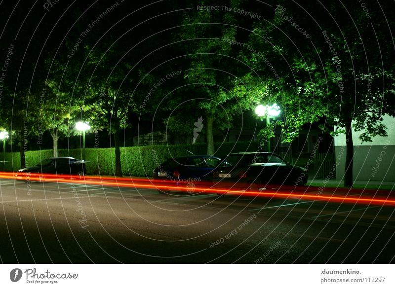 zueruck in die zukunft Straße Lampe PKW Raum Zeit Verkehr Geschwindigkeit Zukunft Laterne obskur Vergangenheit Straßenbeleuchtung Scheinwerfer Verkehrsmittel