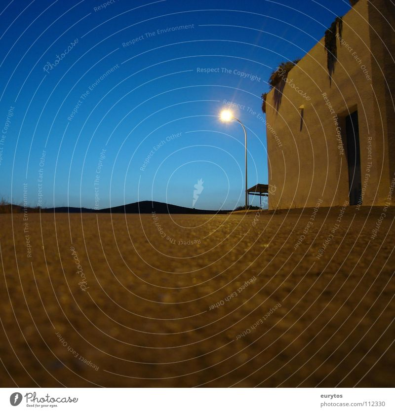 Spanische Nacht Nacht Himmel weiß blau Sommer Ferien & Urlaub & Reisen Haus Straße dunkel Freiheit Wege & Pfade Wärme Landschaft hell glänzend lang