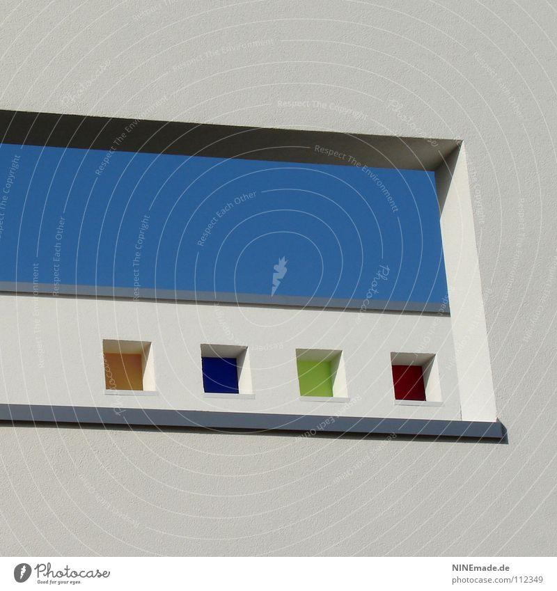 Fenster im Fenster im Fenster ... Durchblick Durchbruch Gebäude Haus Karlsruhe Kindergarten mehrfarbig Quadrat weiß blau grün rot giftgrün himmelblau Putz