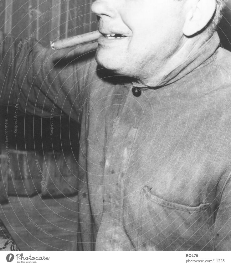 smoke Mensch Mann Rauch Zigarre Nikotin Arbeitsbekleidung