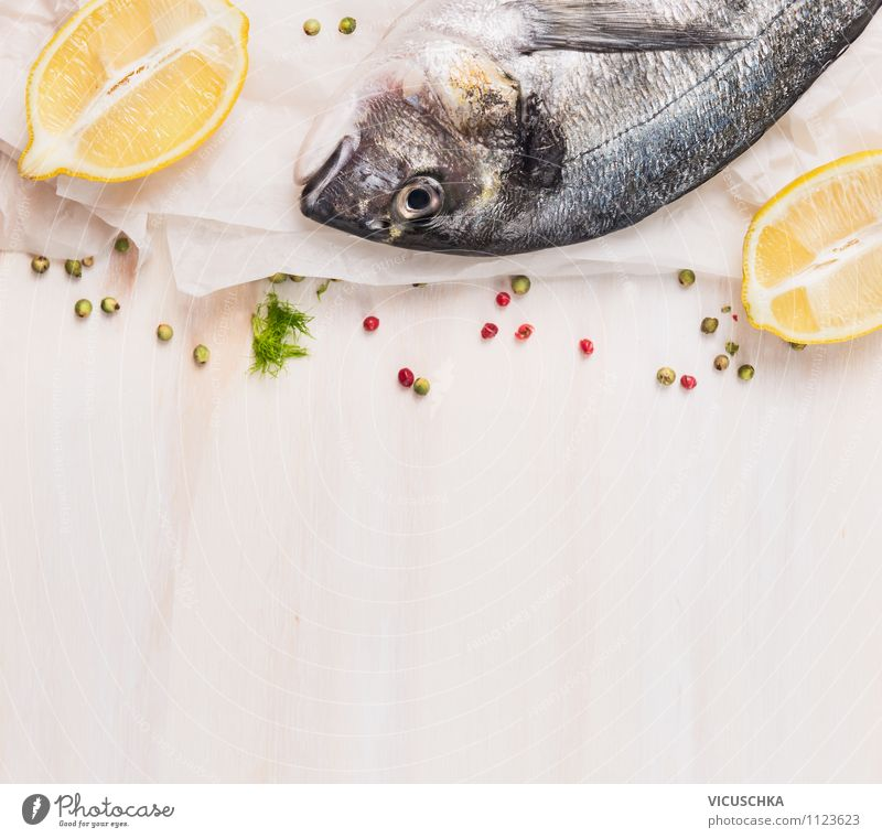 Dorade mit Zitrone weiß Gesunde Ernährung Stil Essen Foodfotografie Lebensmittel Design Tisch Kochen & Garen & Backen einfach Papier Kräuter & Gewürze Küche