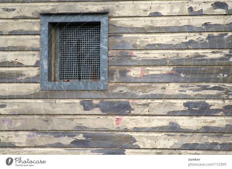 Abgeblättert alt Haus Farbe Wand Fenster Holz kaputt verfallen Holzbrett Rahmen abblättern