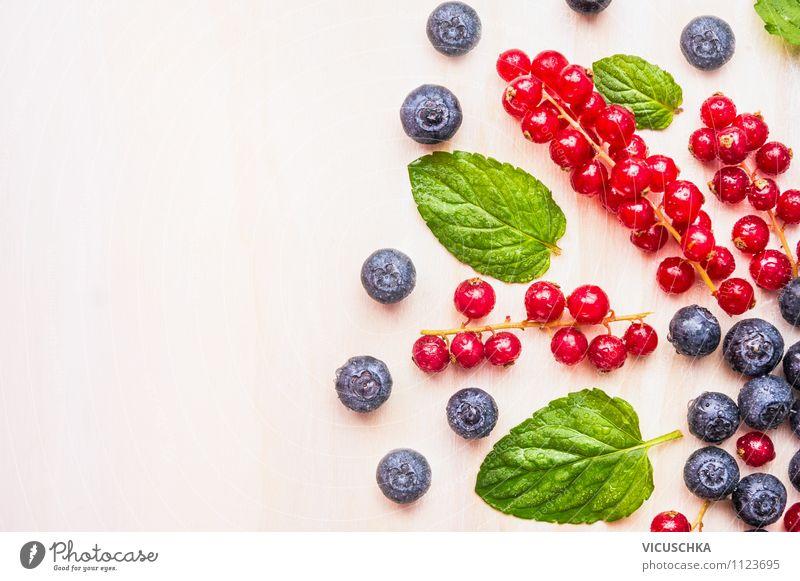 Sommerbeeren sind Gesund Natur blau Sommer rot Gesunde Ernährung Leben Stil Hintergrundbild Garten Lebensmittel Lifestyle Frucht Design frisch Wassertropfen Ernährung
