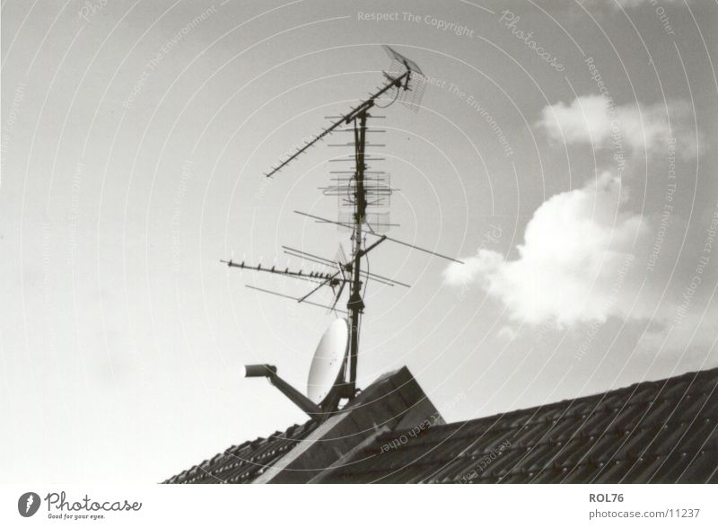 New-Old Entertainment Himmel Wolken Technik & Technologie Dach Fernsehen Antenne Elektrisches Gerät