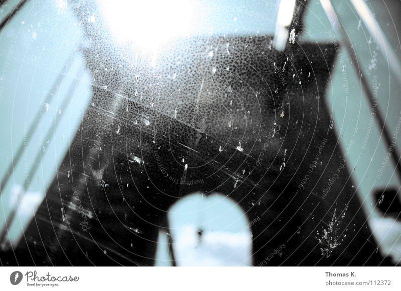Road Trip Ferien & Urlaub & Reisen PKW dreckig Ausflug Brücke fahren Verkehrswege Richtung Autofahren Fensterscheibe Sightseeing Teer verbinden Durchblick Windschutzscheibe