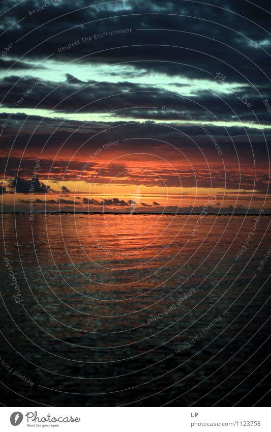 r1 Himmel blau Farbe Meer Einsamkeit Landschaft ruhig Wolken Ferne natürlich Horizont träumen orange Zufriedenheit leuchten ästhetisch