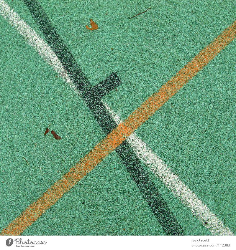 TuSpo Sport Linie gebrauchen grün orange schwarz weiß Ordnung Perspektive wahrnehmen Nebenzweig kreuzen Norm Geometrie Regel Spielfeld Treffpunkt gebraucht