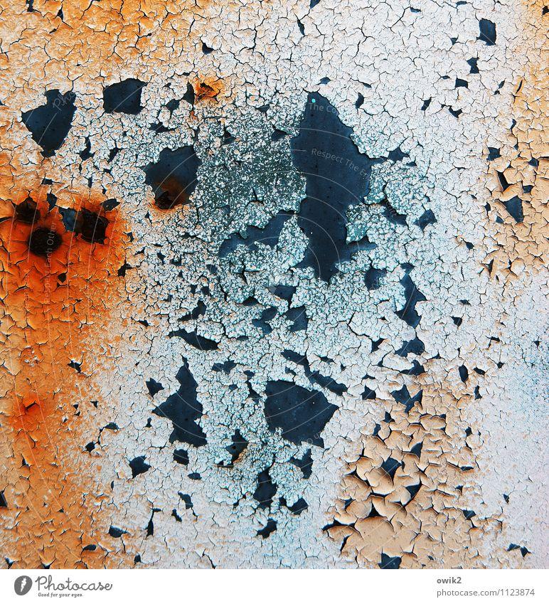 Pigmente Kunstwerk Metall Rost alt nah blau orange rot schwarz Verfall Vergänglichkeit Zerstörung Farbe Riss Teile u. Stücke abblättern Textfreiraum bizarr