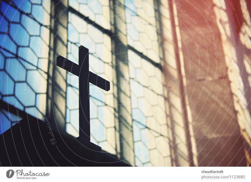 Karfreitag 2015 Kirche Fenster Kirchenfenster Kreuz retro blau rot schwarz Hoffnung Glaube Traurigkeit Trauer Tod Religion & Glaube Ostern Auferstehung