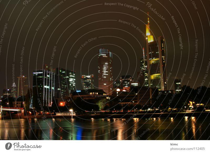 skyline frankfurt bei nacht Frankfurt am Main Nacht Nachtaufnahme Beleuchtung Reflexion & Spiegelung Herbst Winter dunkel Hochhaus Rhein-Main-Gebiet