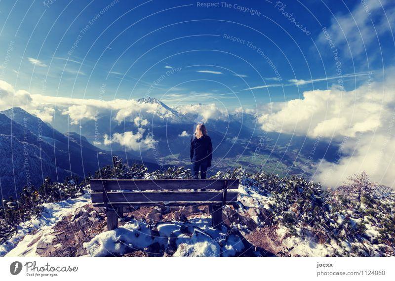Unfassbar Mensch Frau Himmel Natur Ferien & Urlaub & Reisen blau Landschaft Wolken ruhig Ferne Winter Berge u. Gebirge Erwachsene Schnee Glück Freiheit