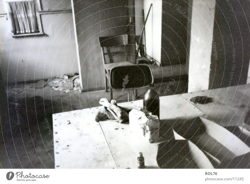 The end of GDR Tisch Arbeit & Erwerbstätigkeit Dinge Stuhl Wendezeit