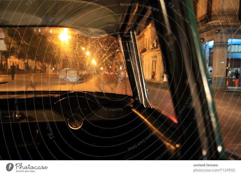 FF# Old School Kunst ästhetisch Zufriedenheit PKW Autobahn Autofahren Autofenster Autofahrer Autorennen Autounfall Scheibe gesplittert Kuba Altstadt