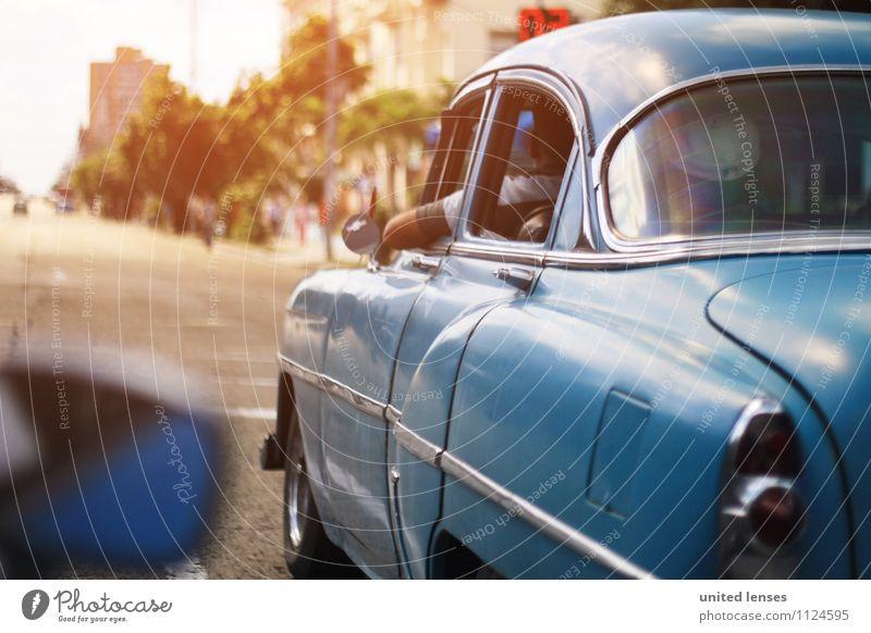 FF# Kuba Car Kunst ästhetisch PKW Autofahren Autofenster Autofahrer Autorennen Kubaner blau Oldtimer Oldtimerrennen Straßenverkehr Farbfoto Gedeckte Farben