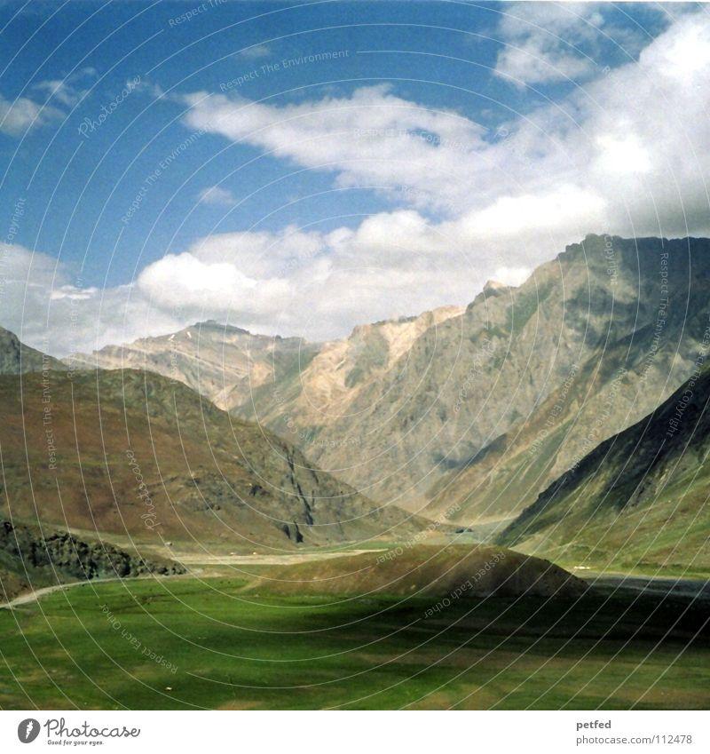 Zojilla Pass Kaschmir V Himmel grün Ferien & Urlaub & Reisen Wolken Ferne Berge u. Gebirge Erde Wetter hoch wandern Fluss Kultur Asien Amerika Indien Bergsteigen