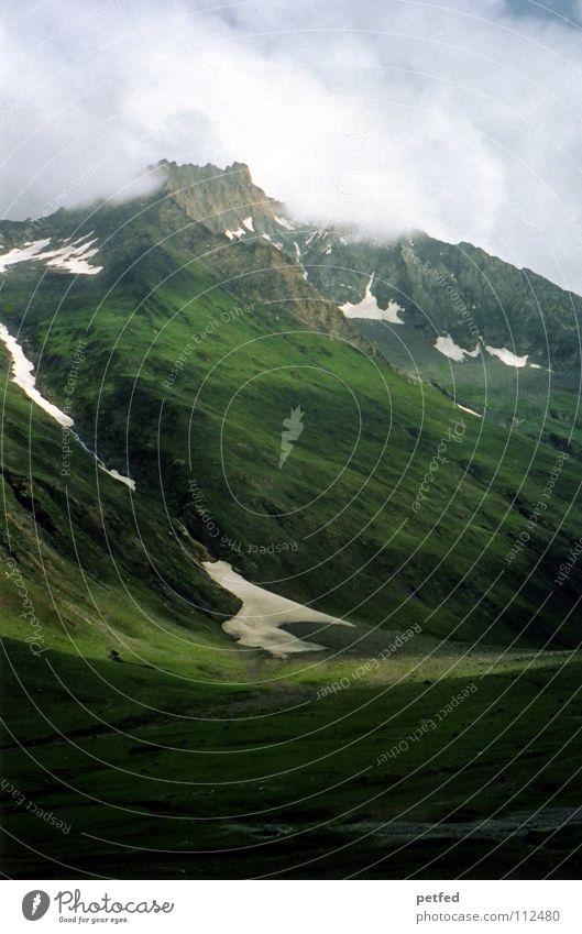 Aufsteigen Himmel grün Wolken Ferne Berge u. Gebirge Schnee Stein Felsen Erde Eis Wetter hoch Spitze Asien tief unten
