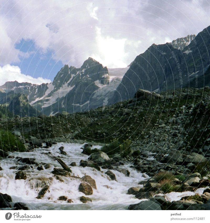 Gletscher Himmel Wasser grün Wolken Ferne kalt Schnee Berge u. Gebirge Stein Erde Wetter Eis hoch wandern Felsen Fluss