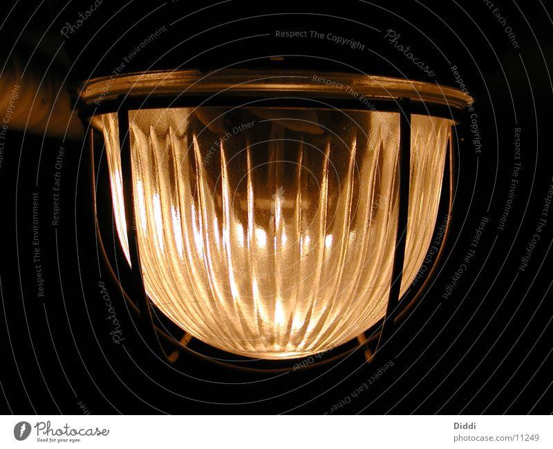 Im Keller Lampe Deckenlampe Licht Dinge