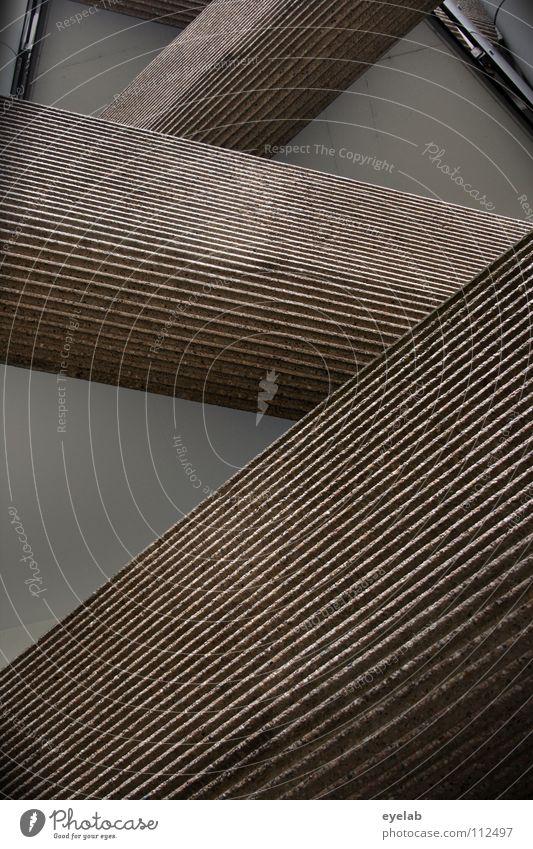 Geringe Fremddynamik Eigenleben abstrakt Balkon Haus Gebäude Beton Konstruktion Siebziger Jahre Fassade Interpretation Drehung Muster Wand Hochhaus bewohnt
