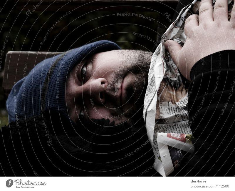ich will ins warme obdachlos Physik kalt Parkbank Gefühle Zeitung Obdachlose Frustration Einsamkeit verloren Trauer Verzweiflung Herbst Kraft Wärme Bank Angst