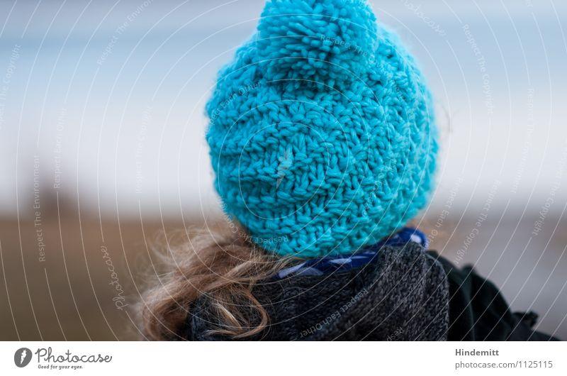Bommelmütze, Bommel angeschnitten Mensch Frau Kind Natur Jugendliche blau Junge Frau Landschaft 18-30 Jahre Winter Ferne schwarz Erwachsene feminin grau