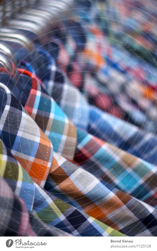 draussen abhängen Mode Bekleidung Hemd Sammlung Metall verkaufen frisch neu blau braun orange weiß Stab Kleiderständer kariert Herrenmode Ware Einzelhandel