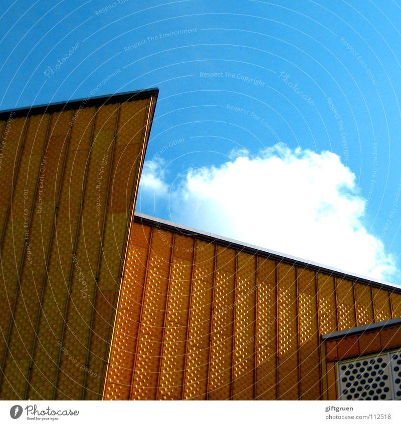 philharmonie I Berliner Philharmonie Gebäude Kultur Konzert Veranstaltung Fassade Wolken modern Kunst Spitze Himmel hans scharoun gold blau Architektur