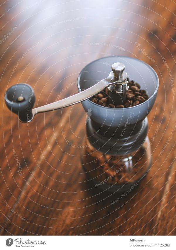 anologes küchengerät Lebensmittel Kaffeetrinken Heißgetränk sparen trendy Bohnen Mühle Kaffeemühle braun Duft frisch lecker Tisch gemahlen analog Bioprodukte