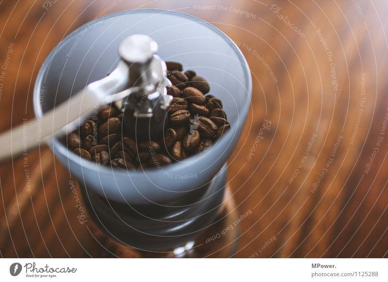 mühle Lebensmittel Kaffeetrinken Heißgetränk sparen trendy Bohnen Mühle Kaffeemühle braun Duft frisch lecker Tisch gemahlen analog Bioprodukte Fairness