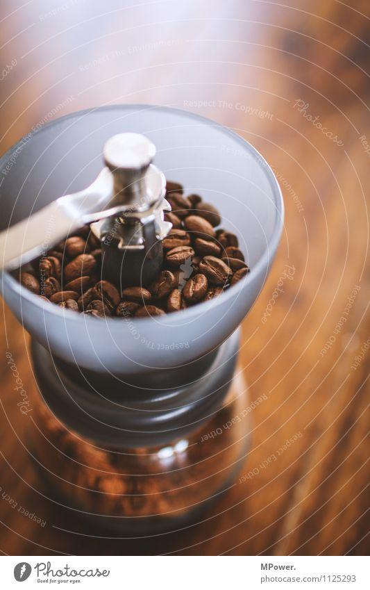 milling Lebensmittel Kaffeetrinken Heißgetränk sparen trendy Bohnen Mühle Kaffeemühle braun Duft frisch lecker Tisch gemahlen analog Bioprodukte Fairness