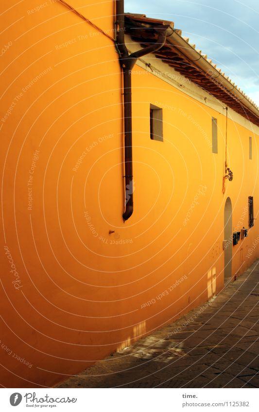 Licht des Südens Himmel alt schön Haus Fenster Leben Wärme Wand Wege & Pfade Mauer Zeit Fassade Tür ästhetisch Lebensfreude Kultur