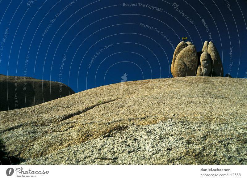 Tioga Pass Natur Himmel blau Ferien & Urlaub & Reisen ruhig schwarz Einsamkeit Farbe Berge u. Gebirge wandern Hintergrundbild Wetter Horizont Felsen leer