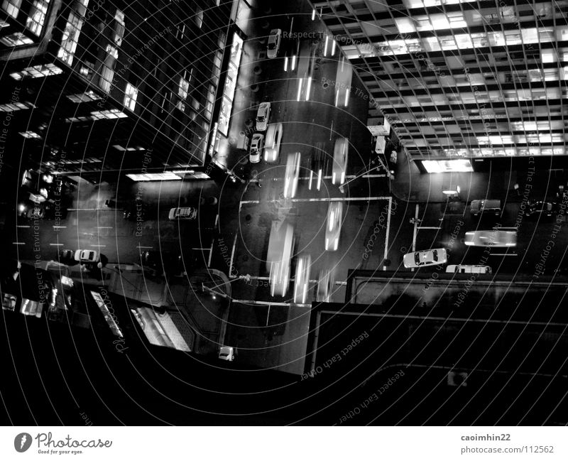New York Nights weiß Stadt grün schwarz Straße dunkel Fenster PKW Gebäude Hochhaus Verkehr Geschwindigkeit USA Amerika Stress Bürgersteig