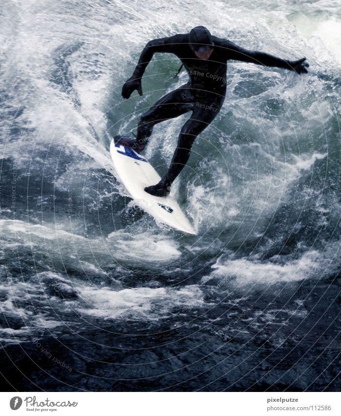 wellenreiter Wasser Sport kalt Spielen Wellen Wildtier Surfen Surfer Wassersport Surfbrett Neoprenanzug Wildwasser
