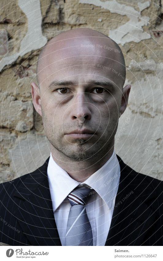 urlaubsreif Mensch maskulin Mann Erwachsene Körper Kopf Gesicht Auge 1 30-45 Jahre Bekleidung Hemd Anzug Krawatte Glatze authentisch kalt trist Gefühle