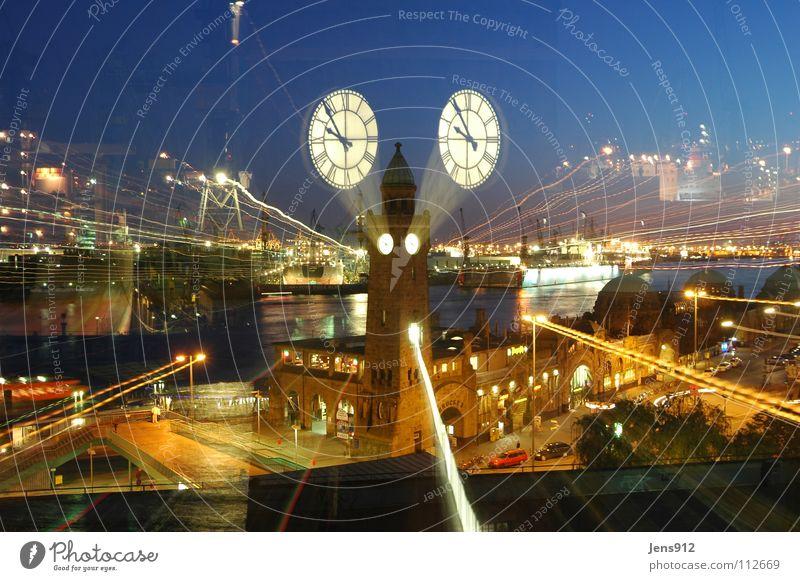 Nah und Fern Straße dunkel Fenster Bewegung PKW Beleuchtung Hamburg Fluss Uhr Hafen Laterne Anlegestelle Bach Straßenbeleuchtung Kran Elbe