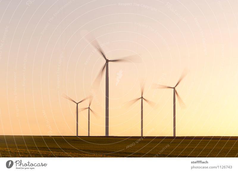 Abend Wind Himmel Landschaft Ferne Umwelt gelb rosa Energiewirtschaft Luft orange Feld Erde ästhetisch Klima Technik & Technologie