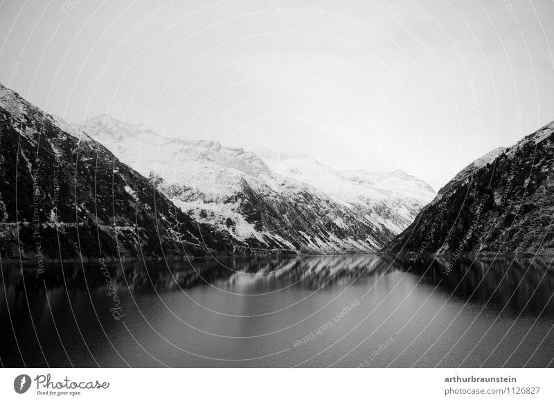 Stausee im Zillertal im Winter Himmel Natur Ferien & Urlaub & Reisen Wasser weiß Landschaft ruhig schwarz Berge u. Gebirge Umwelt Gefühle Schnee natürlich See