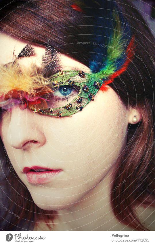 masquerade Frau blau Auge dunkel Haare & Frisuren Mund glänzend Nase Feder Maske Karneval verstecken direkt Perle bleich Venedig