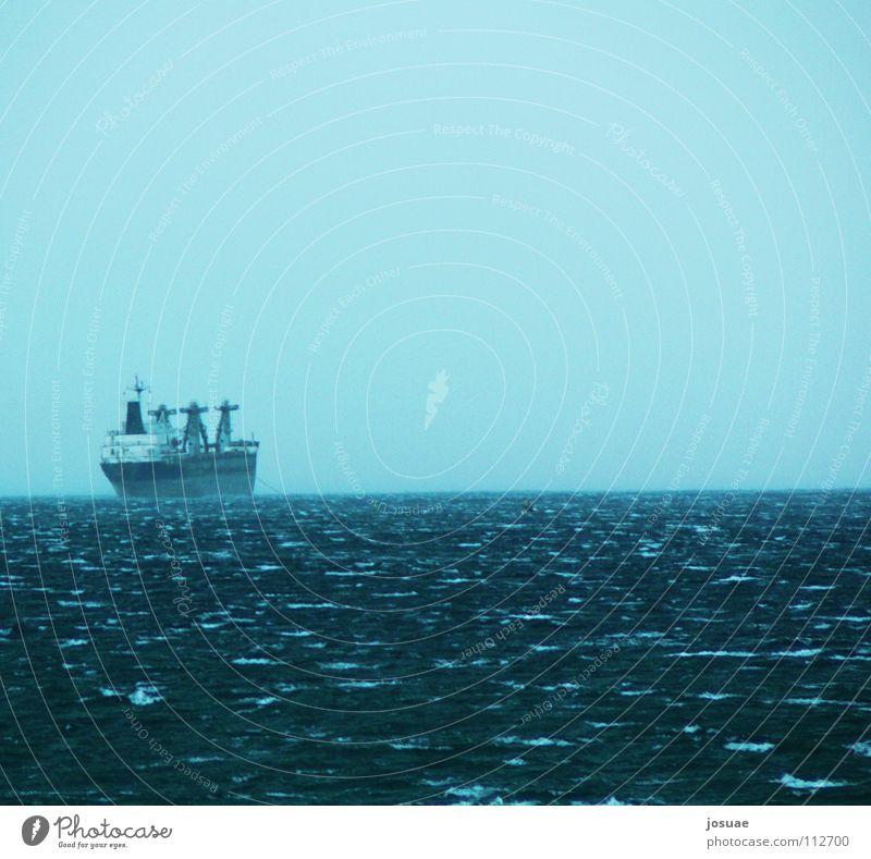 Auf hoher See Wasser Himmel Meer blau Ferien & Urlaub & Reisen Ferne Wasserfahrzeug Nebel Horizont Afrika Hafen Fernweh Atlantik Frachter Transporter