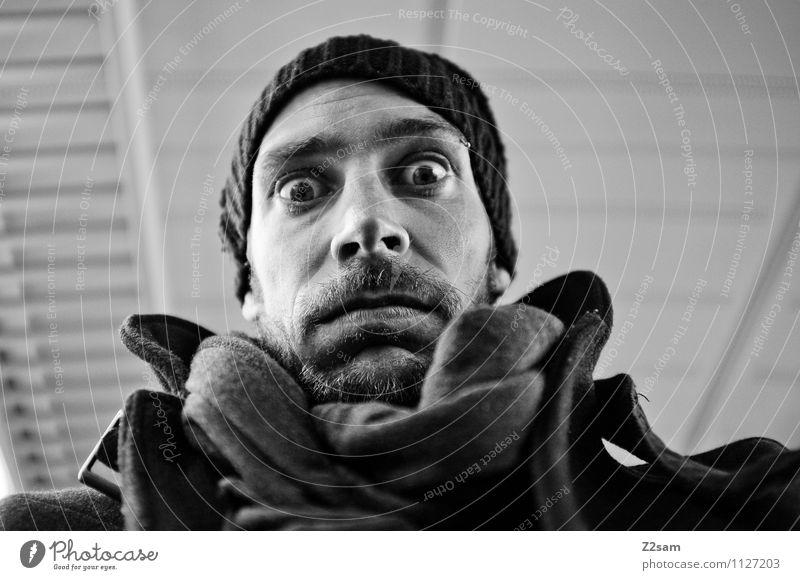 Langweilig elegant Stil Freizeit & Hobby maskulin Junger Mann Jugendliche 30-45 Jahre Erwachsene Verkehrsmittel Bahnfahren Jacke Piercing Mütze Bart Blick frech