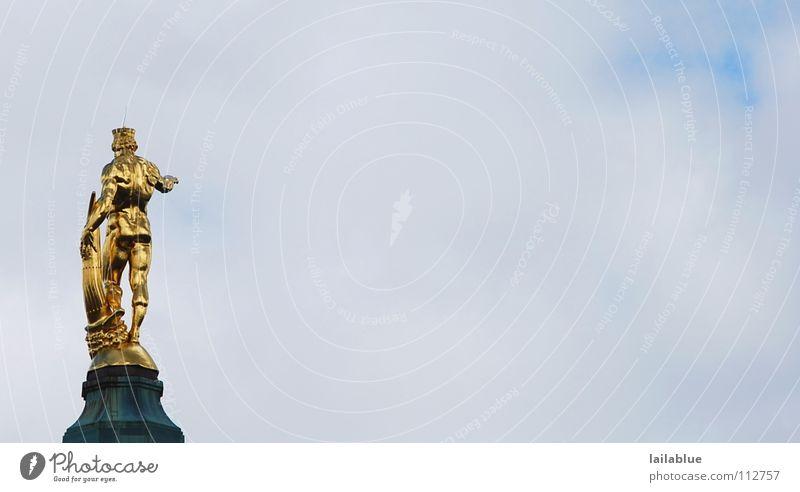 goldi final cut Mensch Mann blau alt weiß Wolken Erwachsene gelb Kraft glänzend warten Gold stehen neu Turm