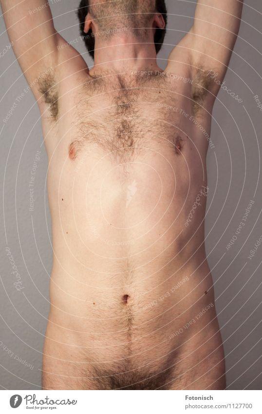 Hände hoch und Hose runter Mensch Jugendliche nackt schön Erotik Junger Mann 18-30 Jahre Erwachsene natürlich maskulin Behaarung ästhetisch dünn Akt Licht