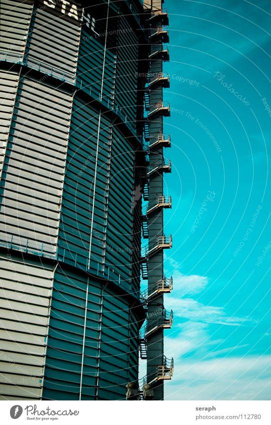 Industrieturm Turm Himmel Geländer Treppengeländer Strukturen & Formen Furche hoch Industriegelände Denkmal Technik & Technologie Architektur Bauwerk Gebäude