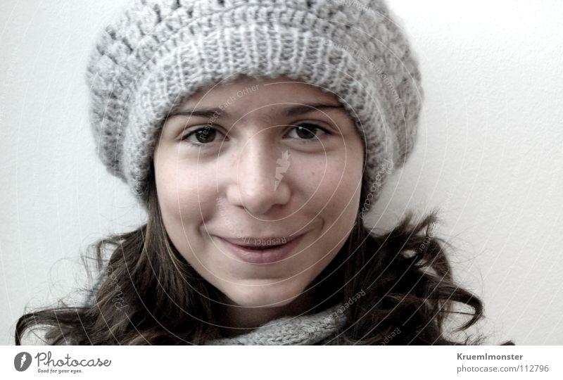 Joy Mädchen schön Freude Winter Leben Glück lachen braun Porträt Mütze grinsen Locken Kind
