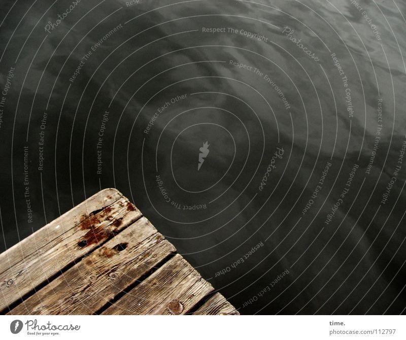 ~ ~ Wasser ruhig dunkel Holz nass Sicherheit Brücke Ecke geheimnisvoll verfallen Steg trocken tief feucht Holzbrett Flur